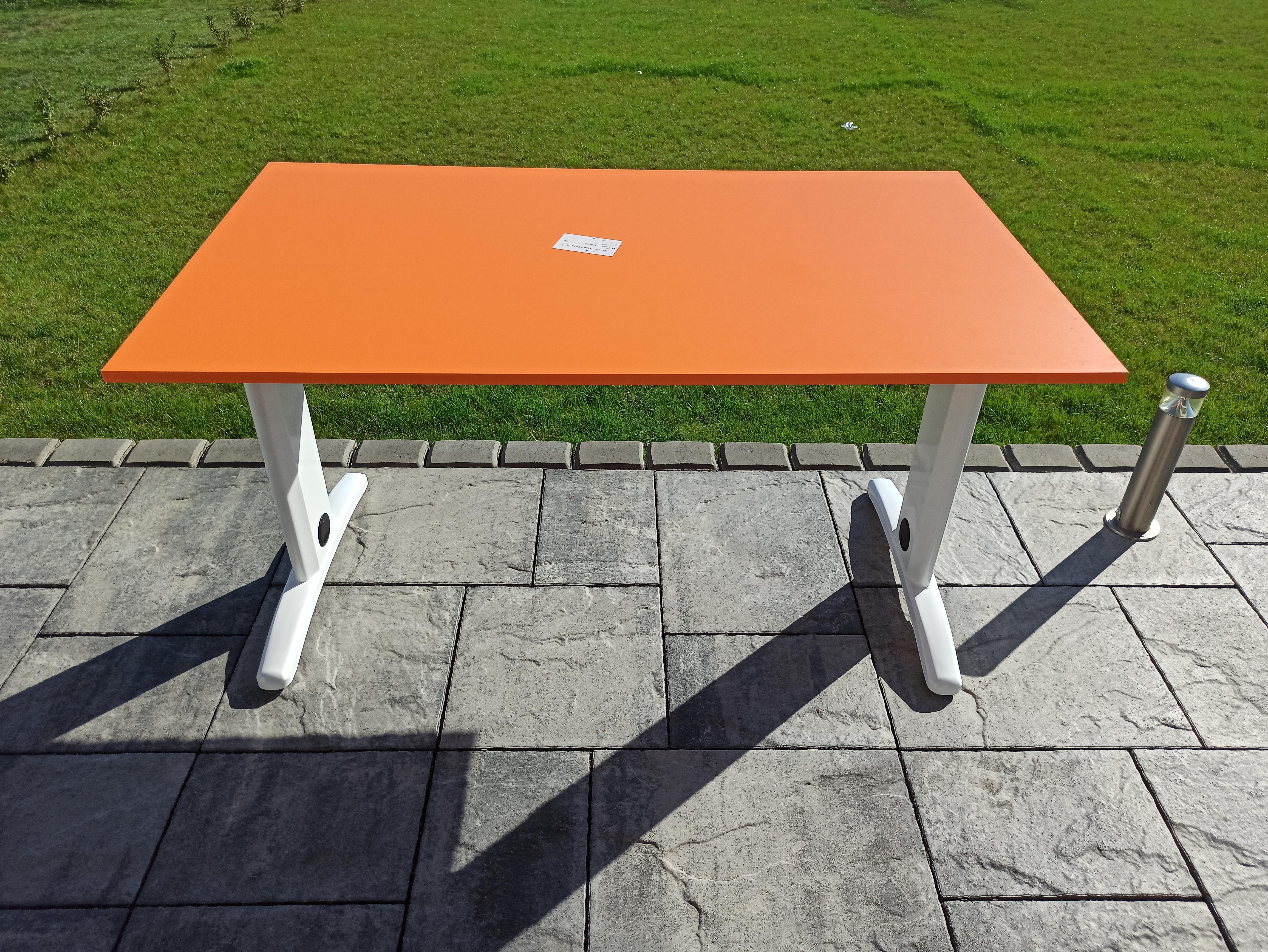 Montážní návod stolu DeskFix 100/200